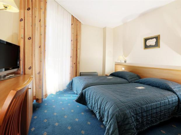 Hotel Riviera - dvokrevetna soba
