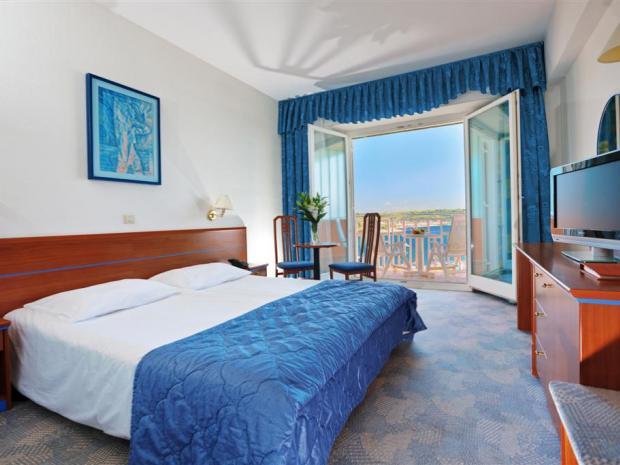 Hotel Slovenija - dvokrevetna soba