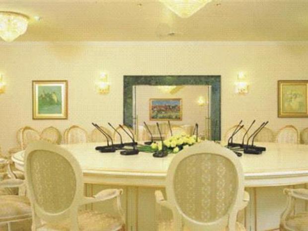 Hotel Habakuk - foaje diplomat kluba