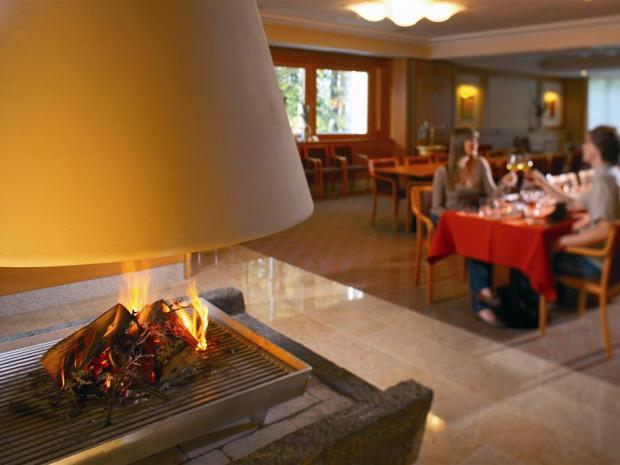 Hotel Bellevue - soba sa kaminom