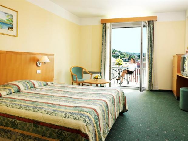 Hotel Apollo - soba sa francuskim krevetom