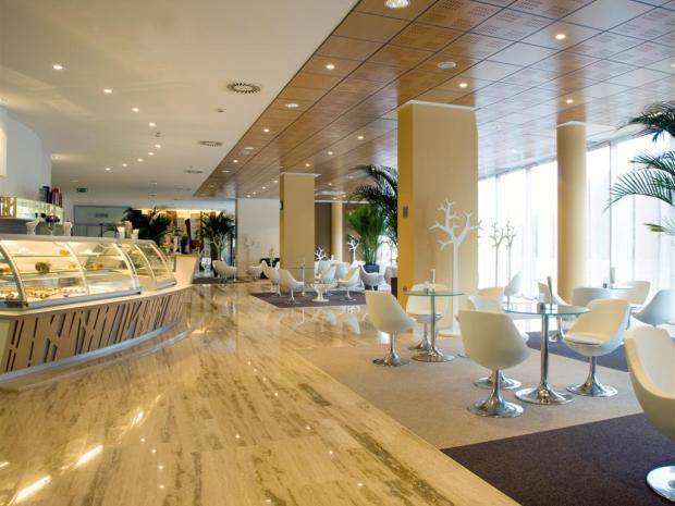 Hotel WPL - cafe